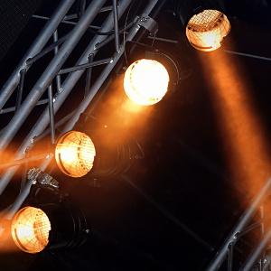 Cómo jugar con las luces para crear un espectáculo de 10