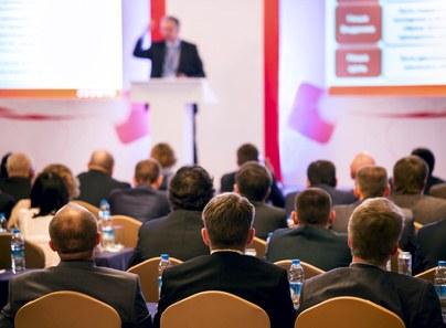 Alquiler de equipo audiovisual para eventos corporativos
